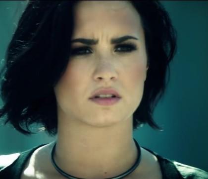 Insolite : Le show de Demi Lovato perturbé par… une érection !