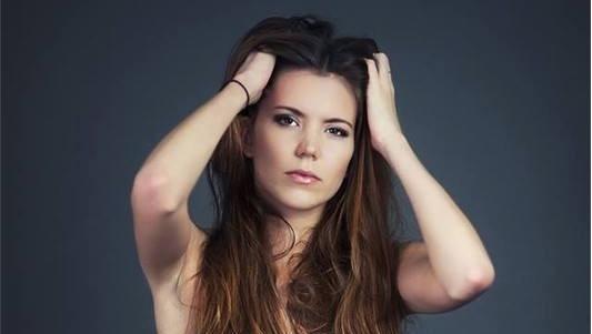 Photo : Miss Nationale dénudée pour tacler le comité Miss France !