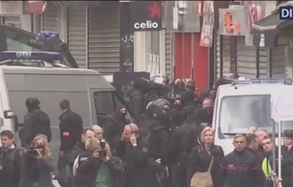 Vidéo : Les images du début de l'assaut à Saint-Denis