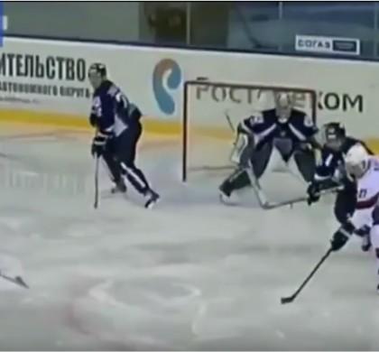 Vidéo : Frayeur pour un hockeyeur coupé à la gorge en plein match