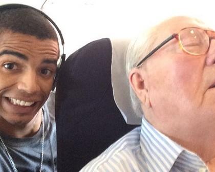 Jean-Marie Le Pen réclame 50 000 euros à Brahim Zaïbat pour son selfie