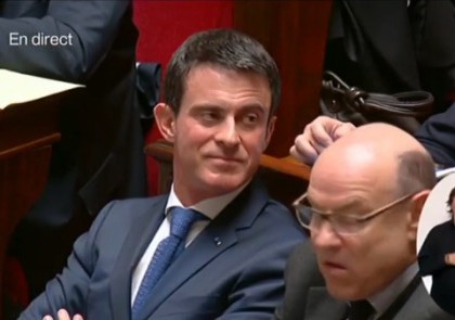 Manuel Valls raillé à l'Assemblée Nationale pour sa participation à «On n'est pas couché»