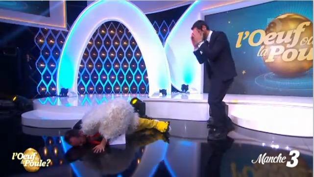 Fou rire : la lourde chute de Jarry dans l'Oeuf ou la poule sur D8 !