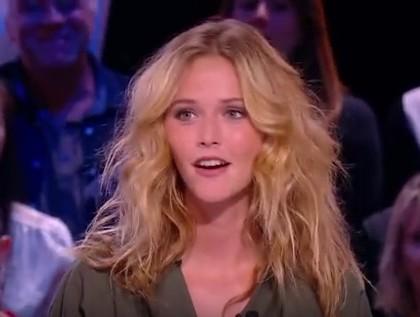 L'ex-Miss Météo Raphaëlle Dupire balance sur le Grand Journal