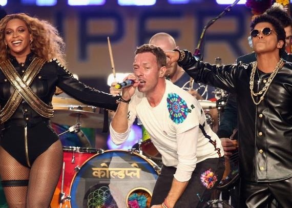 Vidéo : Beyonce et Bruno Mars enflamment le Superbowl !