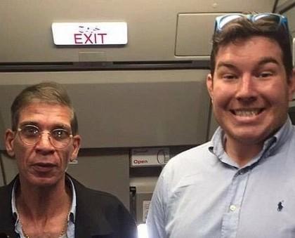 Avion Air Egypt détourné : l'insolite selfie d'un passager avec le pirate !