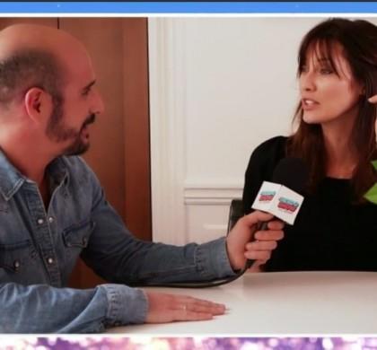 La femme d'Arthur balance un détail gênant : «son bureau, c'est les toilettes !» (Vidéo)