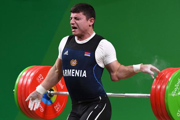Après le gymnaste, découvrez les images chocs de l'haltérophiliste arménien