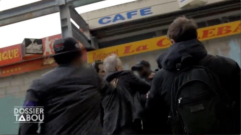 M6 : les images de l'agression de Bernard de la Villardière – le Maire de Sevran dénonce le côté «racoleur» du programme