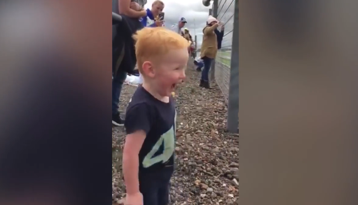 Cet enfant va vous faire mourir de rire pour le reste de la journée