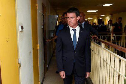 Surpopulation carcérale : Manuel Valls annonce la construction de 33 nouvelles prisons