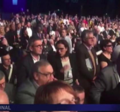 [Zap Actu] Emmanuel Macron accueilli par des huées au Congrès des maires (24/11/2017)