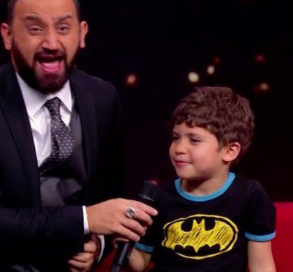 Cyril Hanouna se prend un vent par un enfant !!!