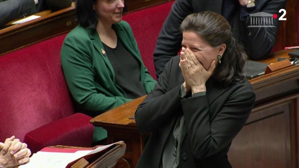 Un fou rire éclate à l'Assemblée Nationale !